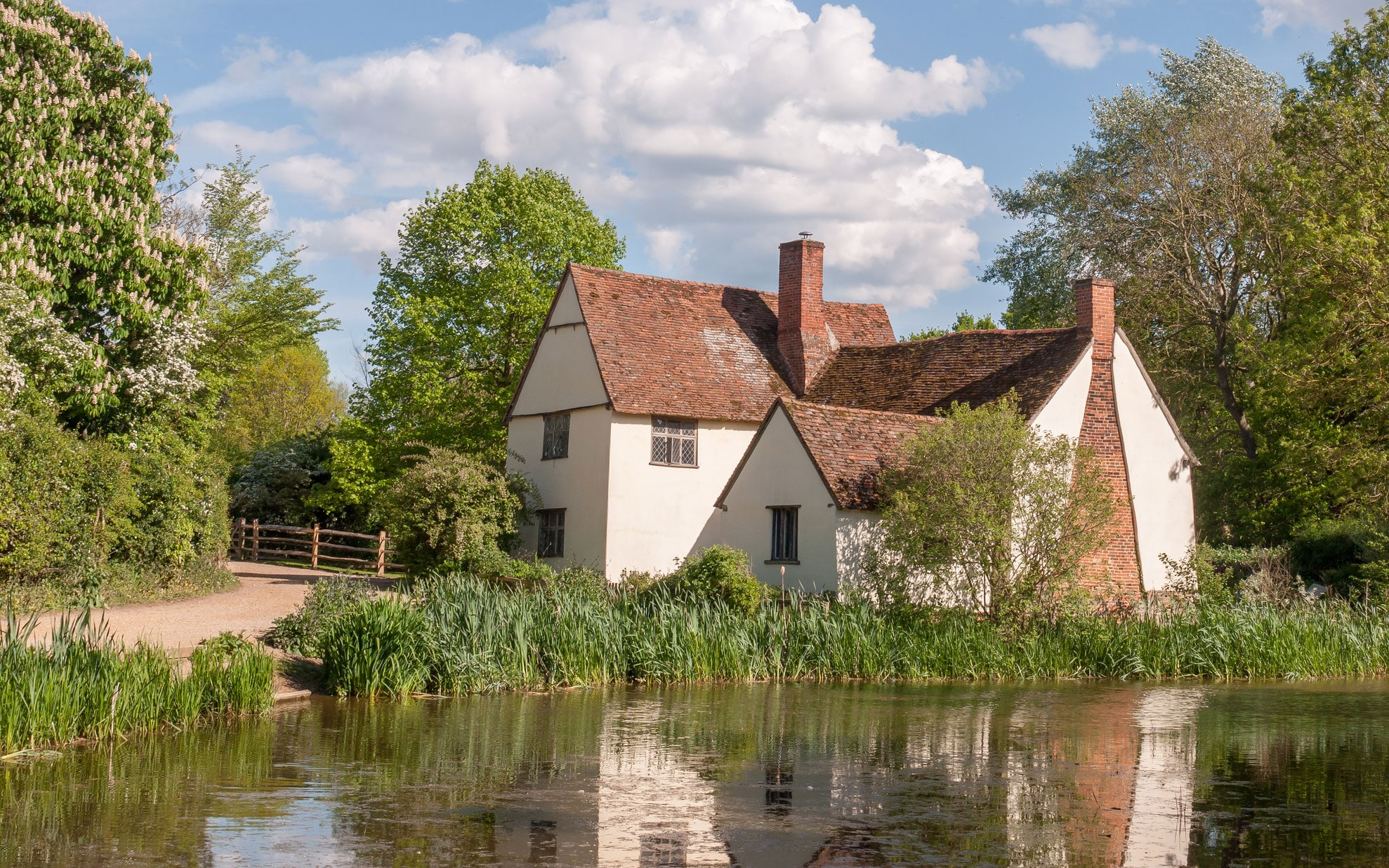 Dedham Country House by River